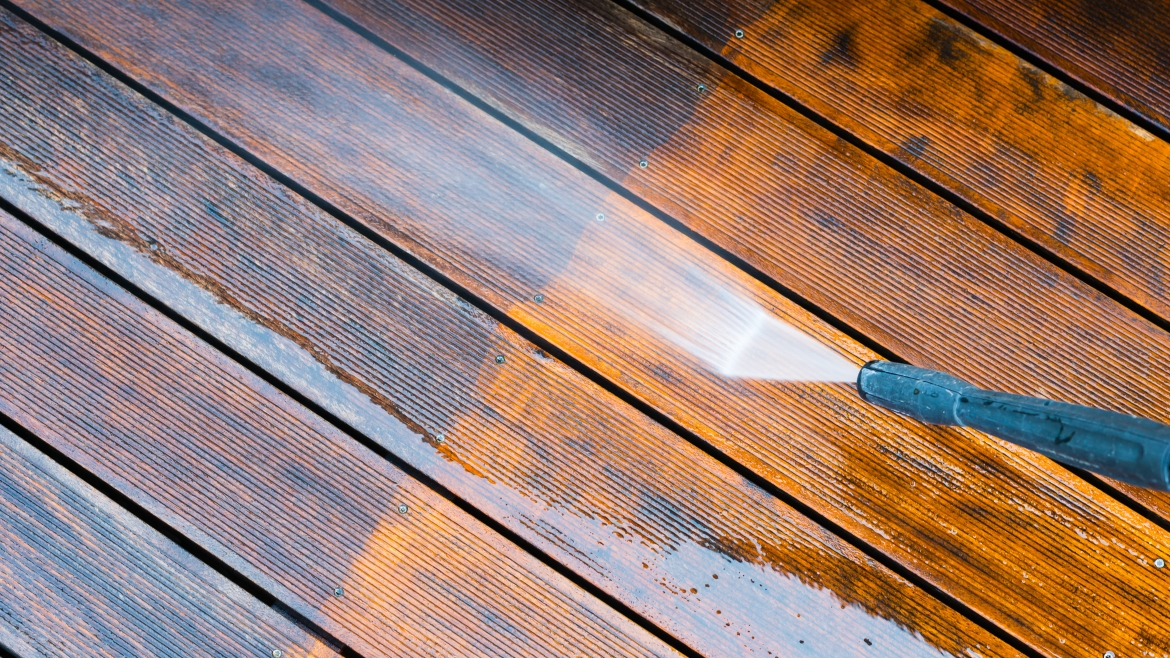 Deck and Fence Cleaning Services